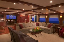 Golf Charter Yacht Stargazer -  Skylounge 2